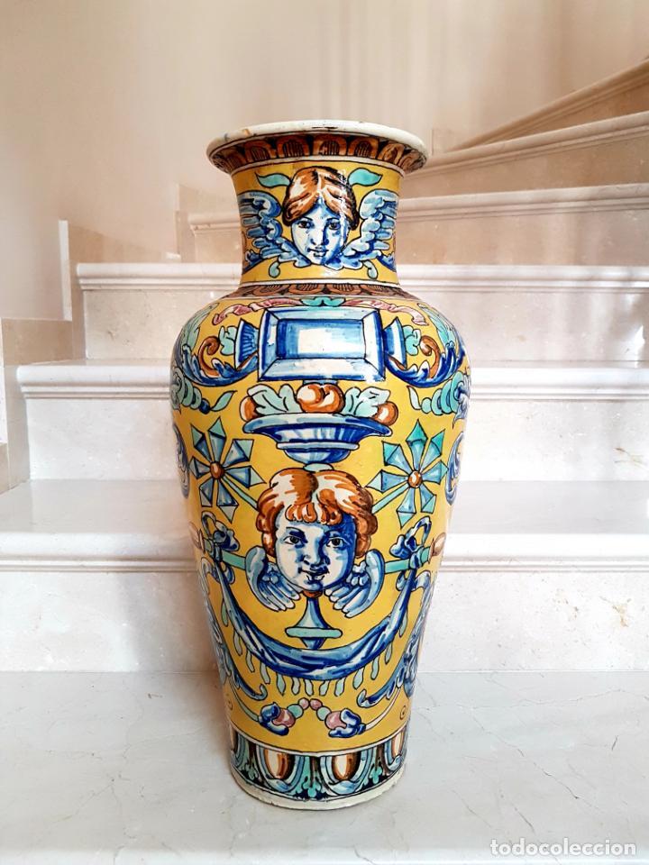 Antigüedades: MAGNIFICO JARRON,ANFORA EN CERAMICA POLICROMADA DE TRIANA,(SEVILLA),S.XIX - Foto 2 - 131952954