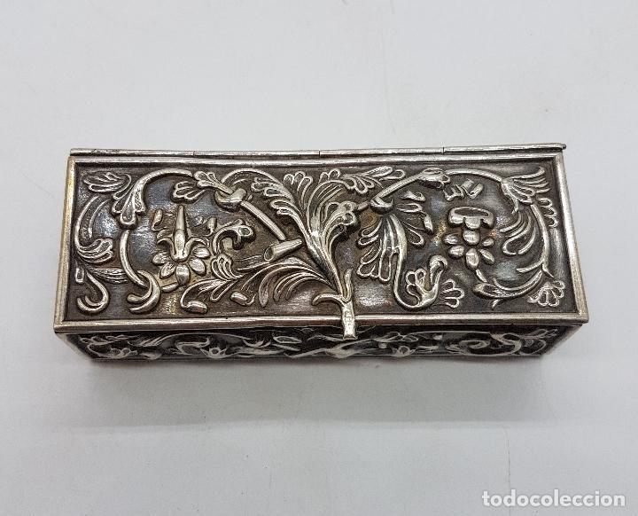 Antigüedades: Caja antigua modernista en plata de ley bellamente repujada a mano, con punzones . - Foto 8 - 132029298