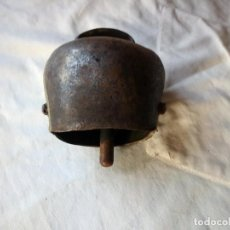 Antigüedades: ANTIGUO CENCERRO PARA GANADO VACAS,PROCEDE DE SUIZA.. Lote 132032998