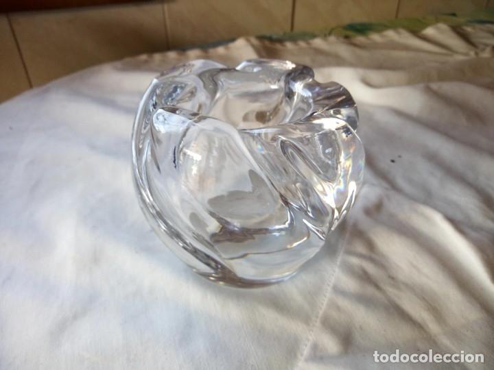 Antigüedades: Bonito jarrón de cristal macizo y pesado. - Foto 2 - 132049471