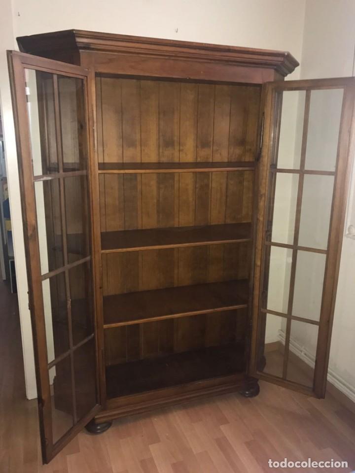 Antigüedades: Librería de madera con puertas de cristal - Foto 2 - 132067142