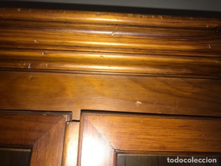 Antigüedades: Librería de madera con puertas de cristal - Foto 5 - 132067142