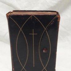 Antigüedades: ANTIGUO MISAL DIARIO AÑO CRISTIANO DEVOCIONARIO LATINO-ESPAÑOL JUSTO PEREZ DE URBEL AÑO 1960. Lote 132085134