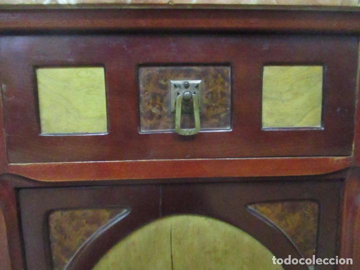 Antigüedades: Bonita Mesita Art Deco - Madera de Caoba y Limoncillo - Mármol Rojo Alicante - Principios S. XX - Foto 18 - 132100426