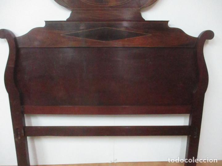 Antigüedades: Cabezal de Cama Isabelino - Madera de Caoba - Bonita Marquetería, de Madera de Boj - S. XIX - Foto 5 - 132128418