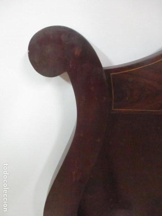 Antigüedades: Cabezal de Cama Isabelino - Madera de Caoba - Bonita Marquetería, de Madera de Boj - S. XIX - Foto 9 - 132128418