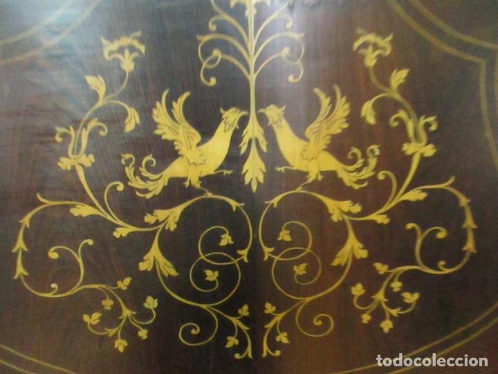 Antigüedades: Cabezal de Cama Isabelino - Madera de Caoba - Bonita Marquetería, de Madera de Boj - S. XIX - Foto 12 - 132128418