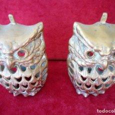 Antiquités: GRANDES BUHOS DE BRONCE CALADOS CON ABERTURA PARA COLOCAR VELA. Lote 132154798