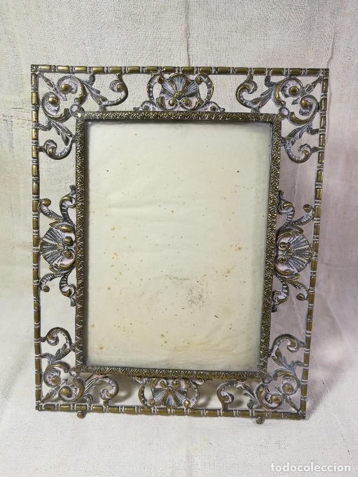 Antigüedades: bonito marco portafotos portaretratos bronce años 40 original...grande 35 x 28 cm - Foto 12 - 132199094