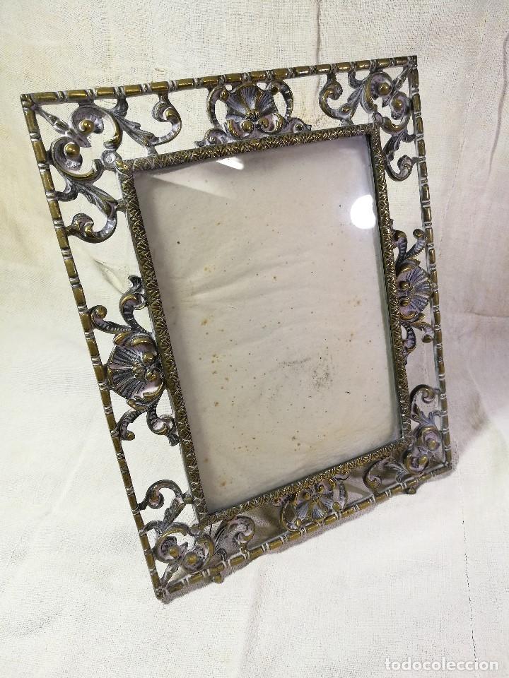 Antigüedades: bonito marco portafotos portaretratos bronce años 40 original...grande 35 x 28 cm - Foto 13 - 132199094