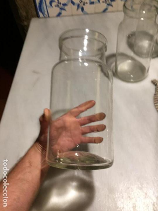 Antigüedades: Antiguos 4 bote / tarro botes / tarros de cristal Catalán soplado a mano del siglo XIX - Foto 2 - 132209894