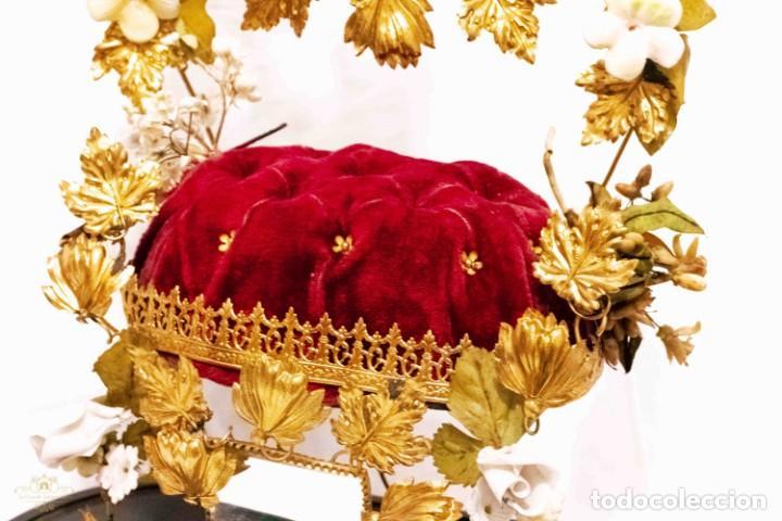 Antigüedades: Antiguo fanal o globo de novia con su cúpula en cristal soplado. - Foto 7 - 132242010