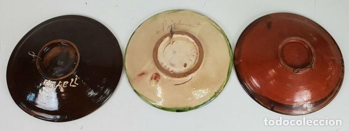 Antigüedades: COLECCIÓN DE 7 PLATOS. CERÁMICA CATALANA ESMALTADA Y VIDRIADA. FIRMADOS. SIGLO XX - Foto 8 - 132277074