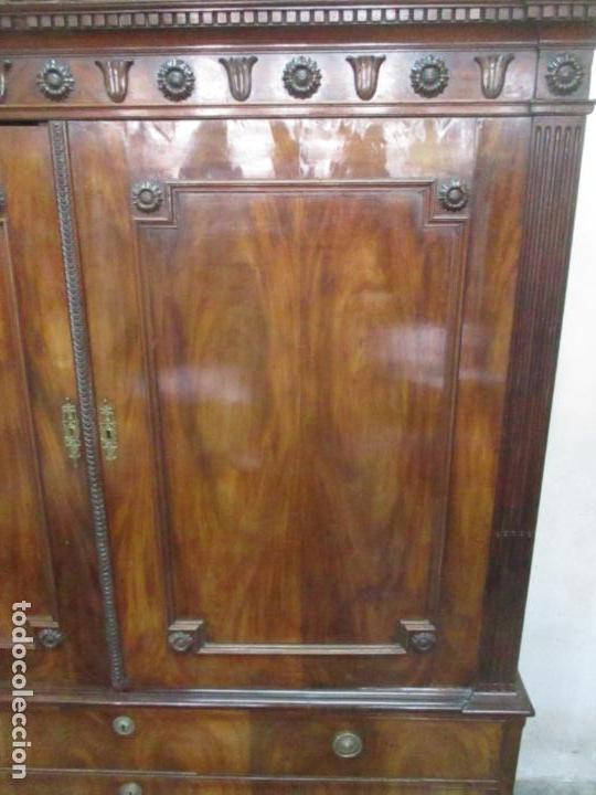 Antigüedades: Preciosa Vitrina - Estilo Regencia (1800-1830) Inglaterra - Madera de Caoba - 241 cm Altura - S. XIX - Foto 14 - 132309442
