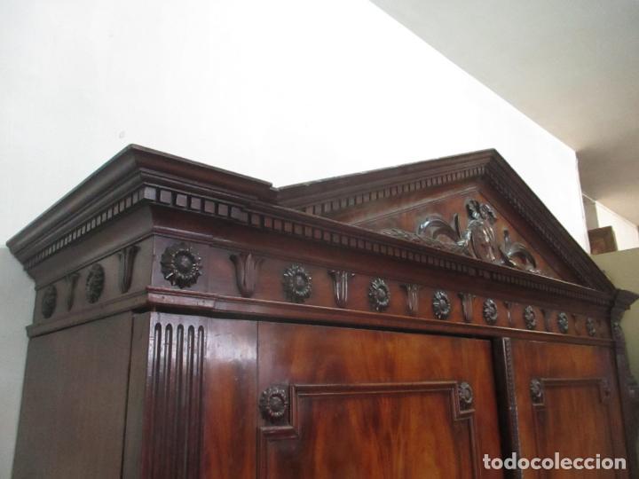 Antigüedades: Preciosa Vitrina - Estilo Regencia (1800-1830) Inglaterra - Madera de Caoba - 241 cm Altura - S. XIX - Foto 34 - 132309442
