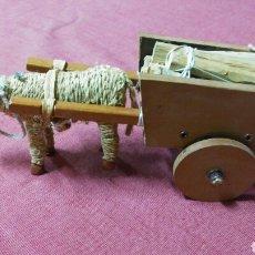 Antigüedades: BURRO ARTESANAL DE CUERDA DE ESPARTO TIRANDO DE CARRO CON LEÑA. Lote 132312982