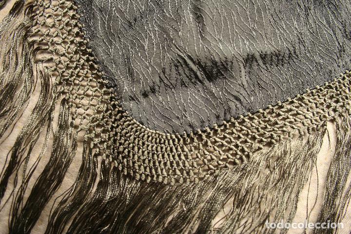 Antigüedades: ANTIGUO MANTON FINALES S XIX, PRINCIPIOS SXX, DE 100 X 10 MAS 30 CM FLECO - Foto 4 - 132344278