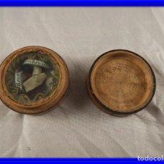 Antigüedades: PRECIOSO RELICARIO ANTIGUO CAJA DE MADERA CON DOS RELIQUIAS. Lote 132382098