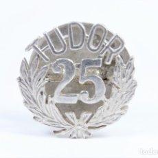 Antigüedades: ANTIGUO PIN TUDOR EN PLATA 925 DE 25 ANIVERSARIO. Lote 48428927