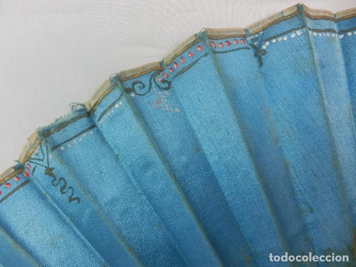Antigüedades: Abanico 1850 pintado a mano en hueso y seda en caja de origen - Foto 4 - 132396066