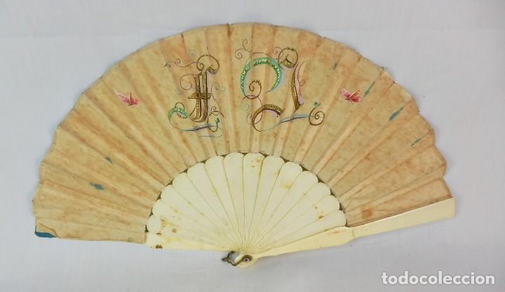 Antigüedades: Abanico 1850 pintado a mano en hueso y seda en caja de origen - Foto 5 - 132396066