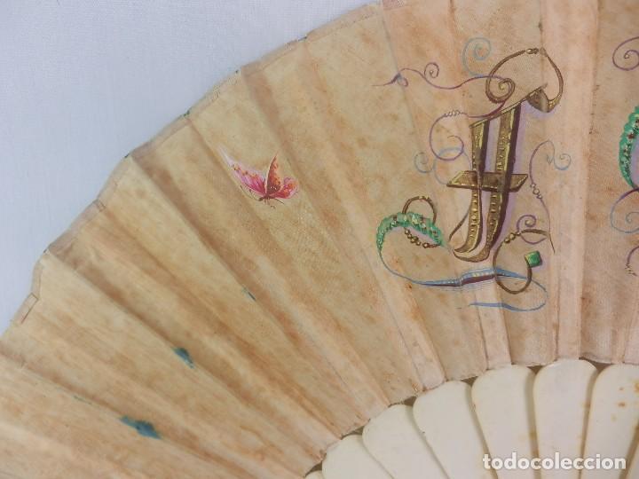 Antigüedades: Abanico 1850 pintado a mano en hueso y seda en caja de origen - Foto 7 - 132396066
