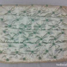Antigüedades: GUARDA ENSERES DE TOCADOR EN SEDA PPS SXX. Lote 132407386