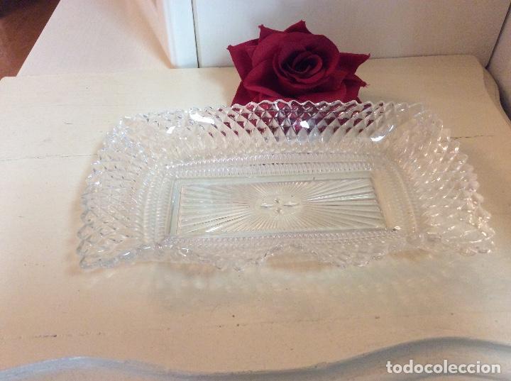 Antigüedades: Bandeja inglesa de cristal tallado shabby chic. - Foto 2 - 132419490