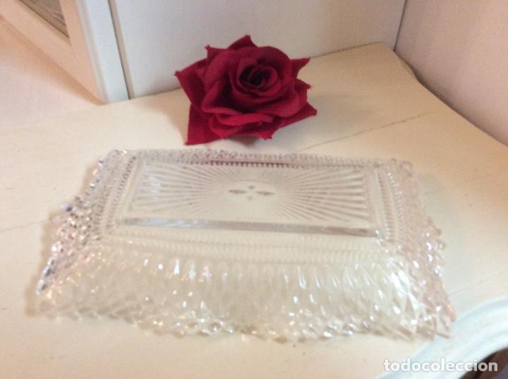 Antigüedades: Bandeja inglesa de cristal tallado shabby chic. - Foto 4 - 132419490