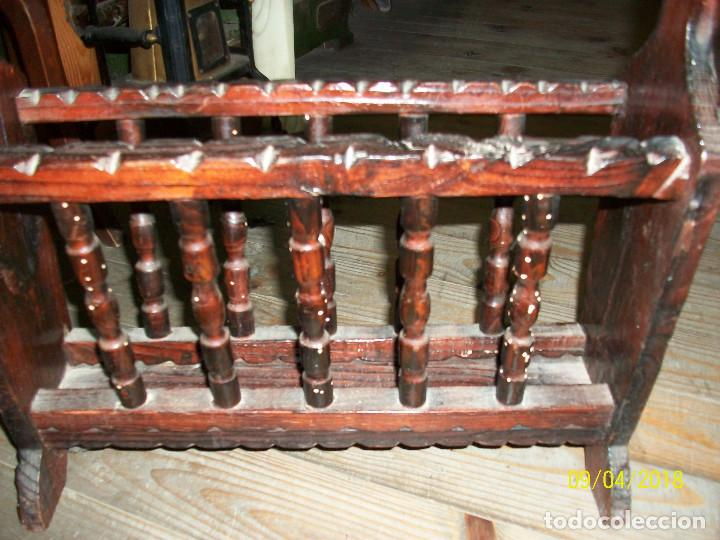 Antigüedades: ANTIGUO REVISTERO DE MADERA - Foto 4 - 132426062
