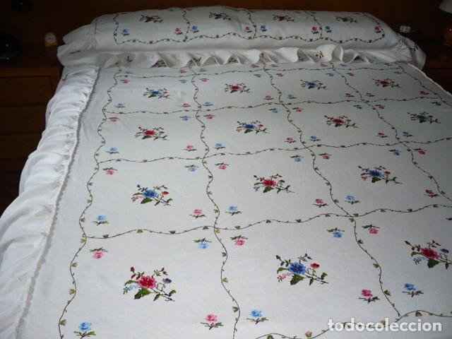 Antiquitäten: COLCHA HILO BORDADA LAGARTERA CON VOLANTE CAMA 135 - Foto 4 - 132446882