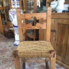 Antigüedades: SILLA ANTIGUA CON ASIENTO DE CUERDA - ESTILO RÚSTICO. Lote 132461566