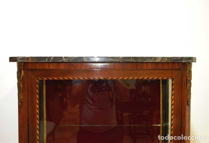 Antigüedades: ANTIGUA VITRINA ESTILO LUIS XVI CON MARQUETERÍA - Foto 4 - 132462510