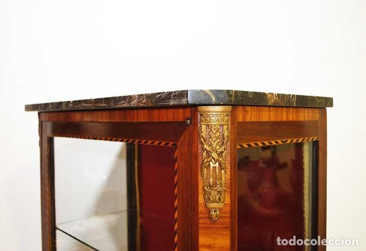 Antigüedades: ANTIGUA VITRINA ESTILO LUIS XVI CON MARQUETERÍA - Foto 7 - 132462510