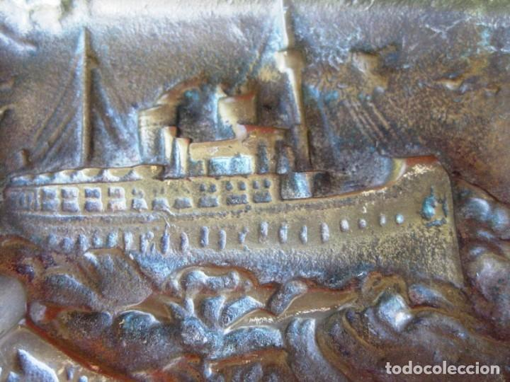 Antigüedades: CENICERO EN BRONCE MACIZO CON BARCO DE VAPOR Y ANCLA PESA 230 GRS - Foto 7 - 132466718