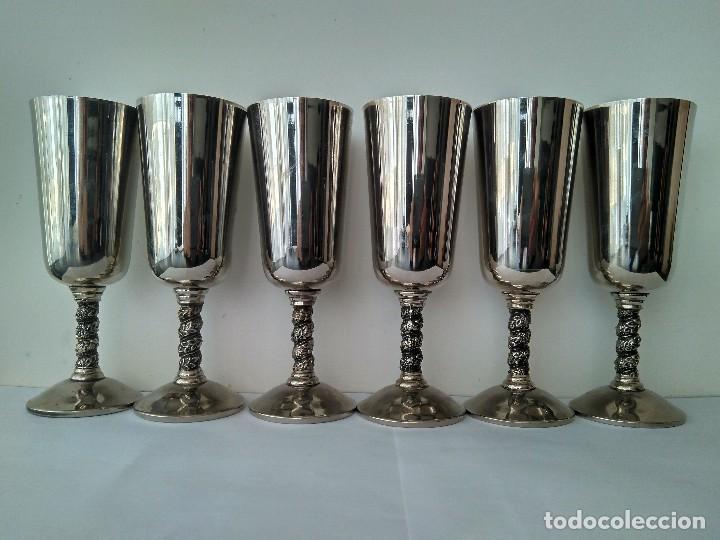 ANTIGUAS COPAS DE CHAMPÁN O VINO DE METAL CROMADO-ROMA,S.L.MADE IN SPAIN/MADRID (Antigüedades - Hogar y Decoración - Copas Antiguas)