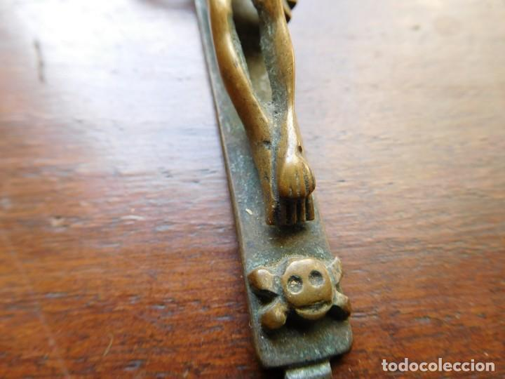 Antigüedades: Crucifijo de bronce siglo XVIII - Foto 3 - 132478346