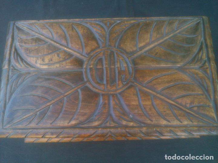 Antigüedades: Arca antigua de pino labrado - Foto 2 - 132485918