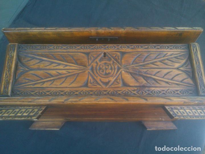 Antigüedades: Arca antigua de pino labrado - Foto 4 - 132485918