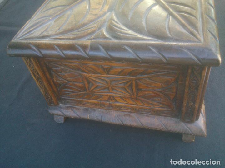 Antigüedades: Arca antigua de pino labrado - Foto 6 - 132485918