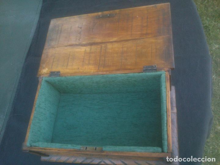 Antigüedades: Arca antigua de pino labrado - Foto 8 - 132485918