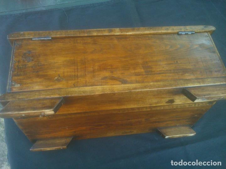 Antigüedades: Arca antigua de pino labrado - Foto 11 - 132485918