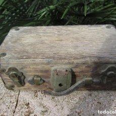 Antigüedades: ANTIGUO BAÚL MADERA. Lote 132488170