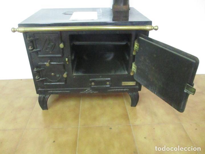 Antigüedades: Antigua Cocina Económica - Marca Hergo - con Catalogo - Foto 8 - 155192248