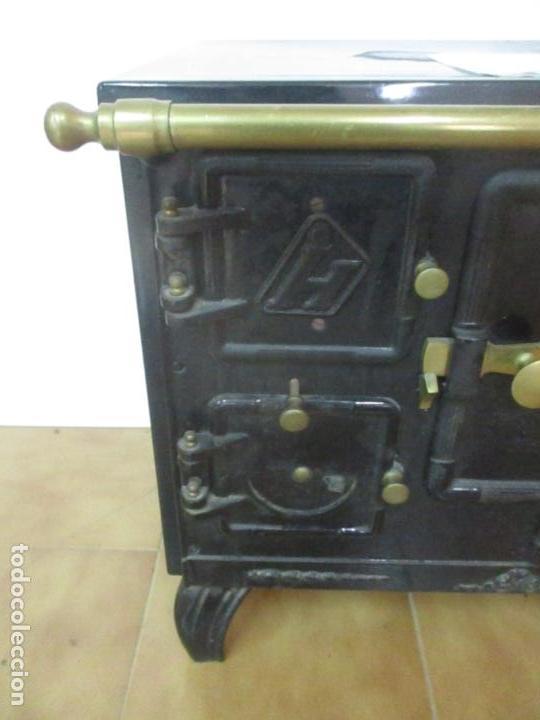 Antigüedades: Antigua Cocina Económica - Marca Hergo - con Catalogo - Foto 13 - 155192248