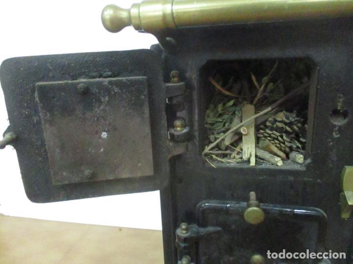 Antigüedades: Antigua Cocina Económica - Marca Hergo - con Catalogo - Foto 16 - 155192248