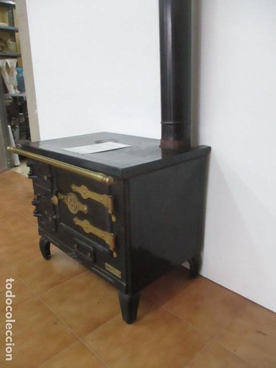 Antigüedades: Antigua Cocina Económica - Marca Hergo - con Catalogo - Foto 31 - 155192248