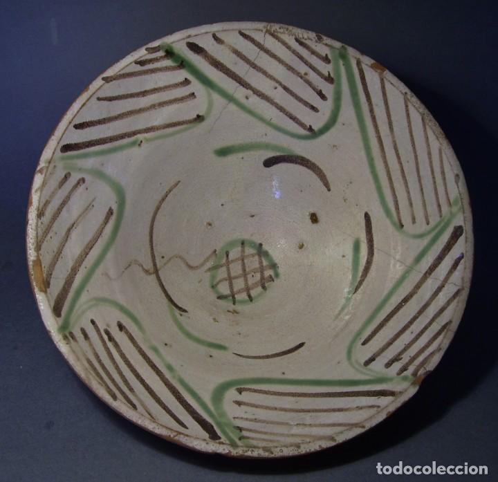 GRAN Y ROTUNDO PLATO-CUENCO DE CERÁMICA ARAGONESA DE TERUEL XIX (Antigüedades - Porcelanas y Cerámicas - Teruel)