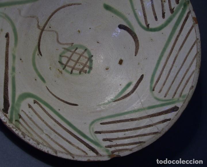 Antigüedades: GRAN Y ROTUNDO PLATO-CUENCO DE CERÁMICA ARAGONESA DE TERUEL XIX - Foto 2 - 132533730