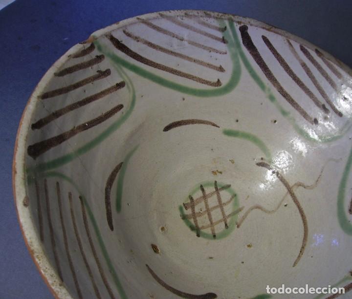 Antigüedades: GRAN Y ROTUNDO PLATO-CUENCO DE CERÁMICA ARAGONESA DE TERUEL XIX - Foto 8 - 132533730